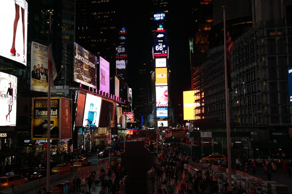 Times Square de nuit à New York