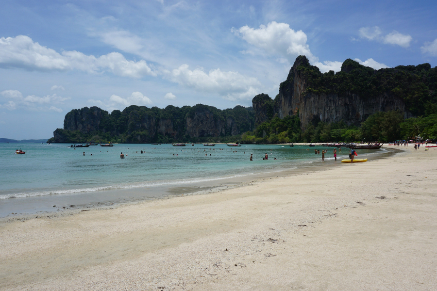 Railay beach (railay west) en thaïlande